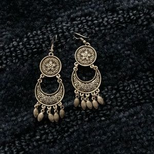 Metal earrings summer style